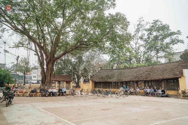 Hà Nội: Độc đáo mô hình đình làng bằng gỗ siêu nhỏ, trả giá 2 tỷ cũng không bán! - Ảnh 1.