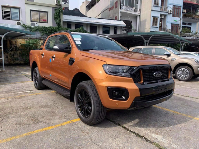 Đại lý bán Ford Ranger bia kèm lạc cao nhất 70 triệu đồng - Lô xe nhập Thái cuối cùng trước khi chuyển sang lắp ráp trong nước - Ảnh 1.
