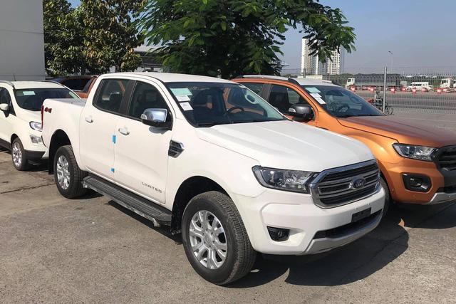 Đại lý bán Ford Ranger bia kèm lạc cao nhất 70 triệu đồng - Lô xe nhập Thái cuối cùng trước khi chuyển sang lắp ráp trong nước - Ảnh 2.