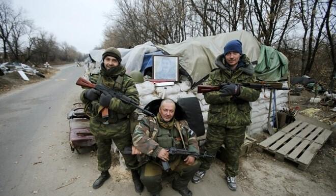 Đụng độ ác liệt ở Donetsk, lính Ukraine bỏ cả đồng đội tháo chạy - Lộ tình tiết bí ẩn vụ tàu Iran bị tấn công - Ảnh 1.