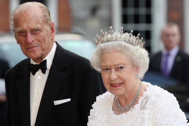 Truyền thông Anh đưa tin về kế hoạch tang lễ cho cố Hoàng thân Philip, tiết lộ di nguyện cuối cùng về nơi chôn cất của ông mang ý nghĩa đặc biệt - Ảnh 1.