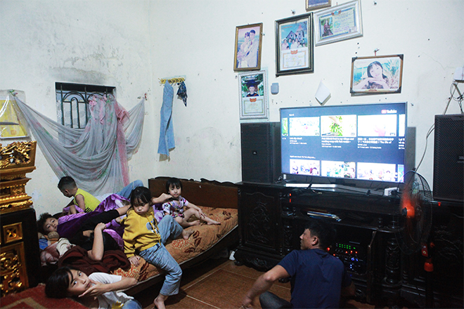 Bất ngờ với cuộc sống hiện tại của người phụ nữ 29 tuổi đẻ 8 con ở Hà Nội - Ảnh 4.