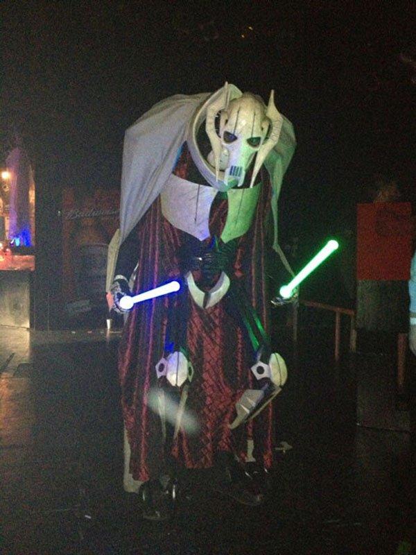 Câm nín trước những màn hóa thân có một không hai trong Lễ hội Hóa trang Halloween 007