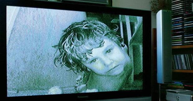Cặp chị em đưa bé gái 12 tuổi về sống chung để cùng hành hạ các con, danh tính của đứa trẻ khi bị phanh phui khiến ai cũng run sợ - Ảnh 8.