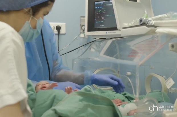 Hình ảnh mới nhất của các em bé trong ca sinh 9 hy hữu gây chấn động thế giới gần đây - Ảnh 9.