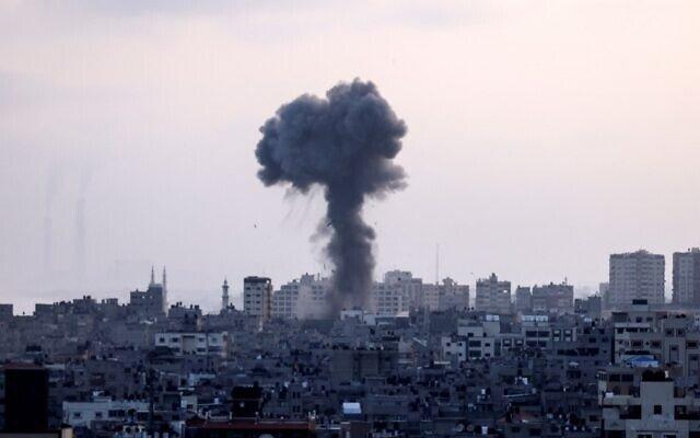 """Hệ thống phòng không bị """"vô hiệu hoá"""", Israel đang bị hàng trăm tên lửa tấn công - ảnh 3"""