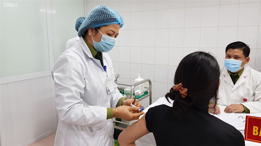 Phó Thủ tướng Vũ Đức Đam: Cuộc chiến vắc xin sẽ cực kỳ căng thẳng, Việt Nam vẫn phải chống dịch như chưa có vắc xin - Ảnh 1.