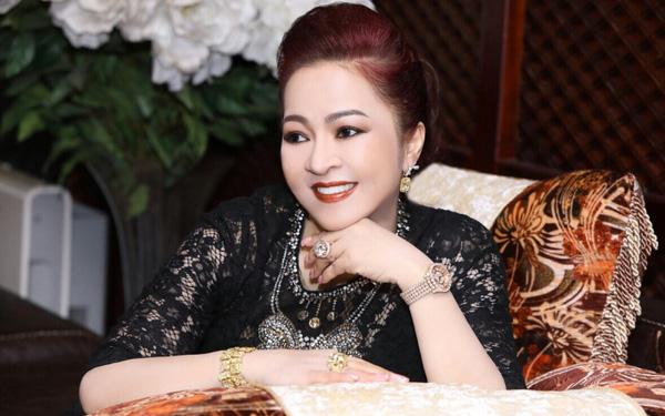 Bà Nguyễn Phương Hằng kể chuyện hoa hậu mua giải, được mời đi thi sắc đẹp nhưng từ chối - Ảnh 4.