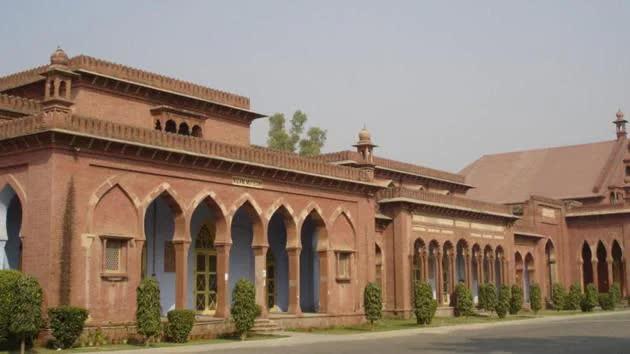 Sốc: 34 giáo sư trường đại học 100 năm tuổi ở Ấn Độ tử vong do Covid-19, phó hiệu trưởng viết thư cầu cứu - Ảnh 7.
