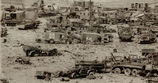 Cuộc truy kích vô tiền khoáng hậu, địch tháo chạy tán loạn: Hừng hực khí thế tiến về Sài Gòn - Ảnh 2.