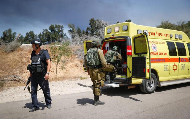 NÓNG: Cuộc chiến trên bộ Israel-Palestine chính thức bắt đầu - Hỏa lực trút như mưa, thương vong tăng sốc - Ảnh 2.