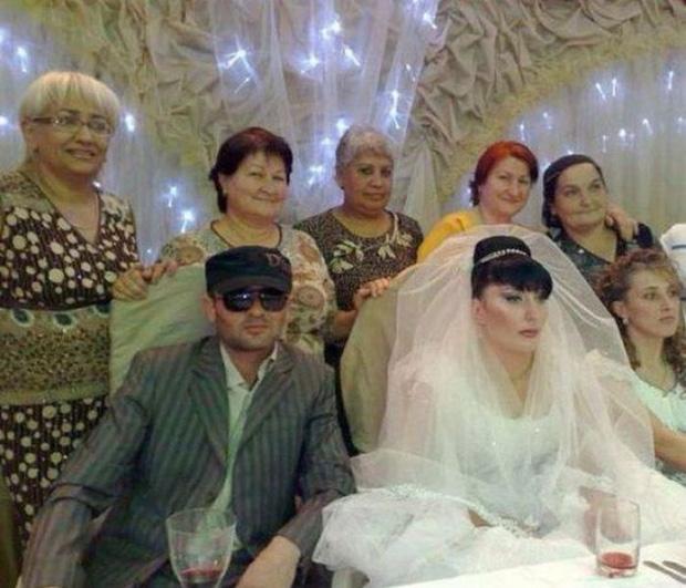Tuyển tập những tấm ảnh cưới không đẹp tí nào nhưng chắc chắn cô dâu chú rể đều... vui tính - Ảnh 11.