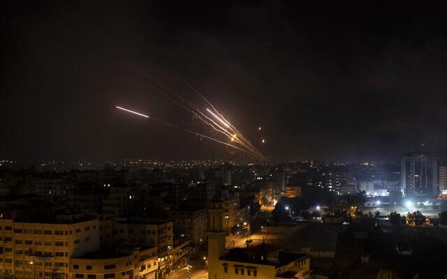 Báo Mỹ: Bắn hàng nghìn rocket, người Palestine đã tìm ra điểm yếu của hệ thống Vòm Sắt? - Ảnh 5.