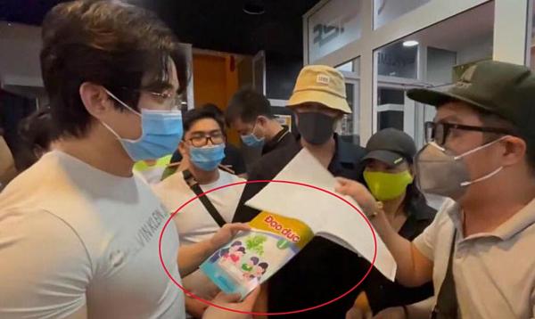Bà Nguyễn Phương Hằng tuyên bố gửi sách đạo đức Cát Phượng tặng Duy Nguyễn đến nhà Lư Hoàng Gia Bảo - Ảnh 3.