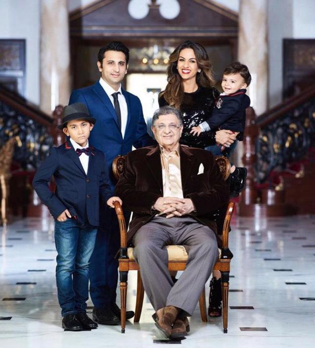 Cuộc sống xa hoa của gia đình sở hữu hãng vaccine lớn nhất thế giới - ảnh 1