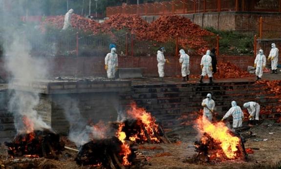 Vượt qua Ấn Độ, tâm chấn Covid-19 đang chuyển hướng sang nước láng giềng, tỉ lệ nhiễm bệnh cao gấp đôi - Ảnh 1.