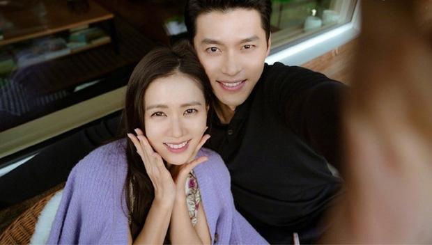 Vừa công khai hẹn hò, Han Ye Seul đã bị 'đào' lại tin đồn yêu tay 3 đồng tính với Yuri và Son Ye Jin, giờ chỉ còn 1 người độc thân! - ảnh 7