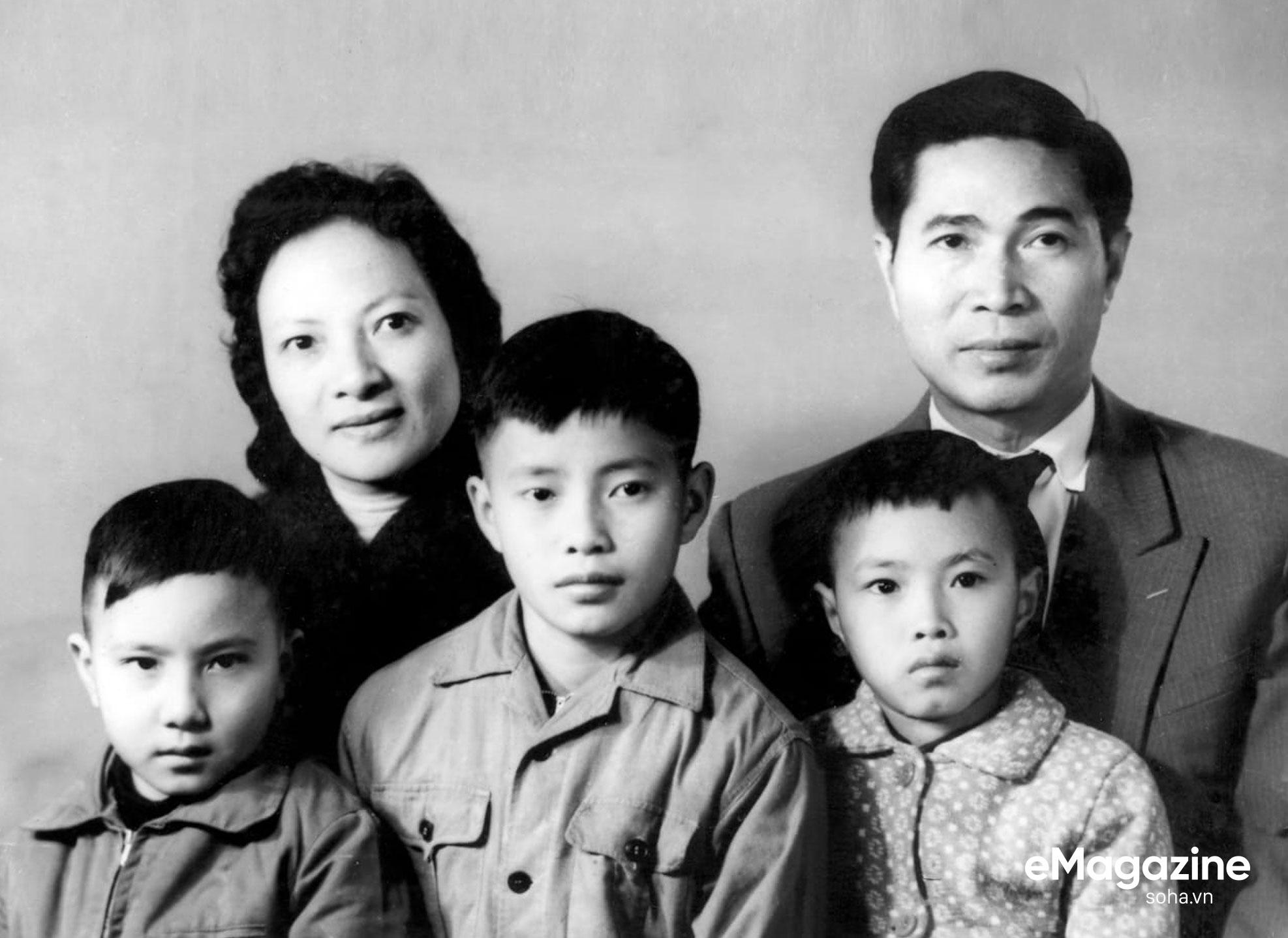 Bộ Âu phục đi mượn của ông Nguyễn Cơ Thạch và cuộc phỏng vấn sau màn thoát hiểm trước đạn pháo Trung Quốc - Ảnh 18.