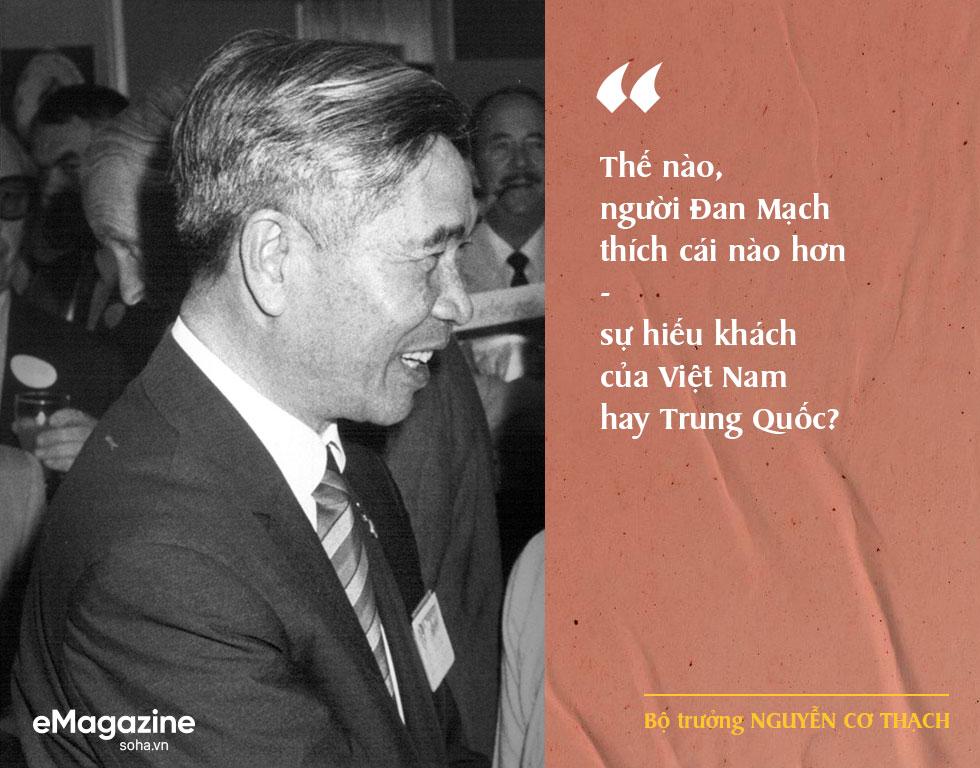 Bộ Âu phục đi mượn của ông Nguyễn Cơ Thạch và cuộc phỏng vấn sau màn thoát hiểm trước đạn pháo Trung Quốc - Ảnh 2.