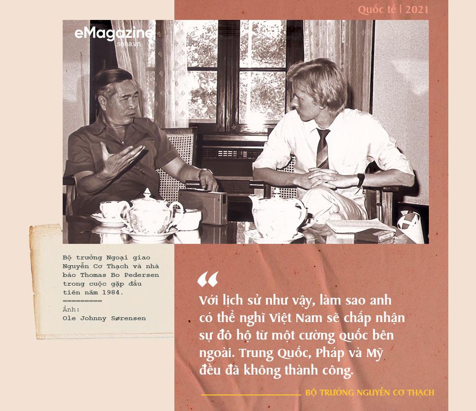 Bộ Âu phục đi mượn của ông Nguyễn Cơ Thạch và cuộc phỏng vấn sau màn thoát hiểm trước đạn pháo Trung Quốc - Ảnh 4.