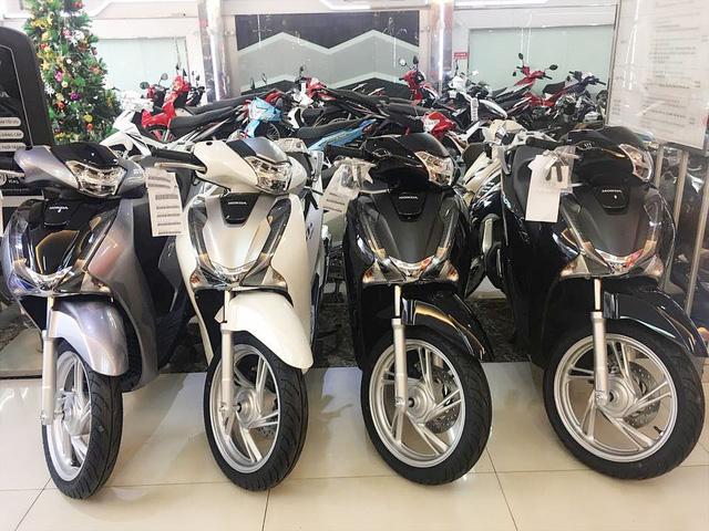 Winner X bán dưới giá đề xuất 10 triệu đồng, Honda SH,  Air Blade... đồng loạt giảm sâu - Ảnh 1.