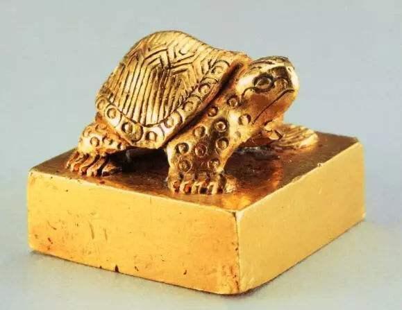 Ngư dân nhặt được cổ vật lấy hơn 1 triệu đồng, ai dè là siêu bảo vật quý hiếm giá hơn 700 tỷ đồng - Ảnh 2.