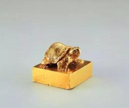 Ngư dân nhặt được cổ vật lấy hơn 1 triệu đồng, ai dè là siêu bảo vật quý hiếm giá hơn 700 tỷ đồng - Ảnh 3.