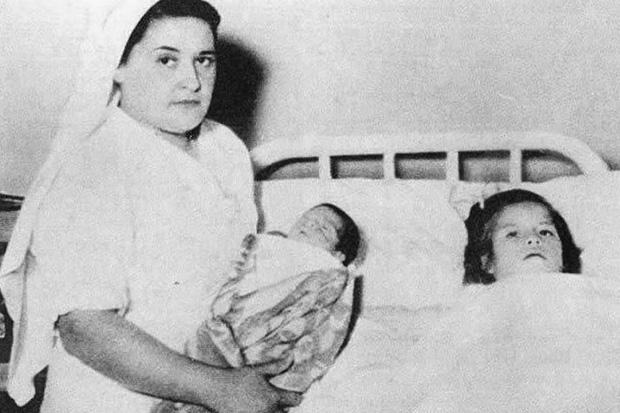 Chuyện kỳ lạ về bà mẹ trẻ nhất thế giới: Bé gái mang thai khi mới 5 tuổi rồi làm chị gái của con và bí mật giấu kín về cha ruột đứa trẻ - Ảnh 3.