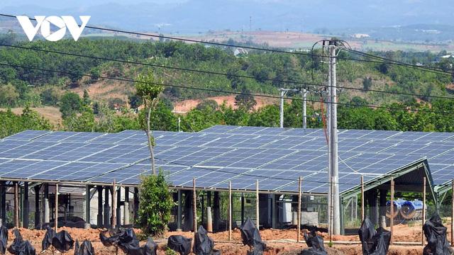 Đầu tư ồ ạt, Kon Tum giải quyết tình trạng thừa điện mặt trời  - Ảnh 1.