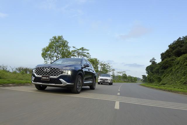 Hyundai Santa Fe 2021 chính thức ra mắt tại Việt Nam, giá từ 1,03 đến 1,34 tỷ đồng - Ảnh 14.