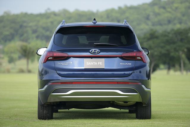 Hyundai Santa Fe 2021 chính thức ra mắt tại Việt Nam, giá từ 1,03 đến 1,34 tỷ đồng - Ảnh 4.