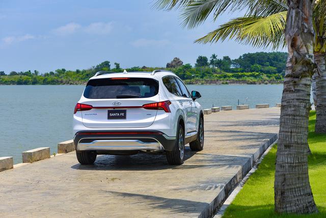 Hyundai Santa Fe 2021 chính thức ra mắt tại Việt Nam, giá từ 1,03 đến 1,34 tỷ đồng - Ảnh 6.