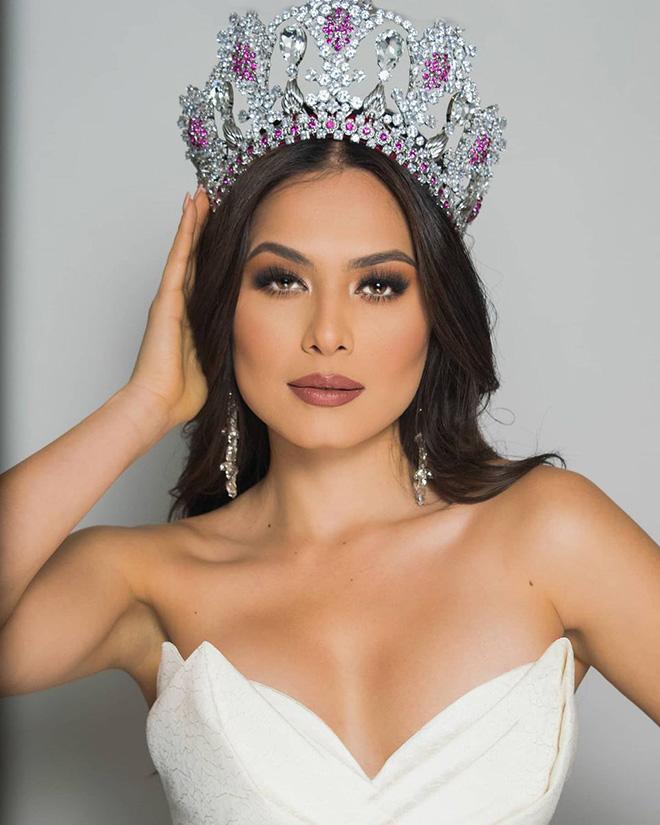 """Trước Khánh Vân, Đỗ Mỹ Linh cũng từng """"bại trận"""" trước tân Hoa hậu Hoàn vũ Thế giới - Ảnh 1."""