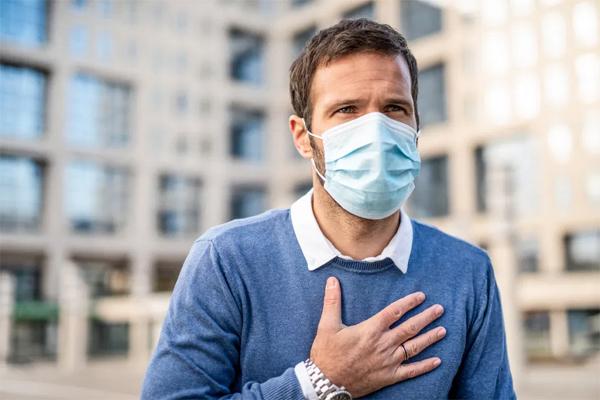 Dịch lan rộng ra cộng đồng, mách bạn cách phân biệt sự khác nhau giữa Covid-19, cảm lạnh thông thường và cúm - Ảnh 3.