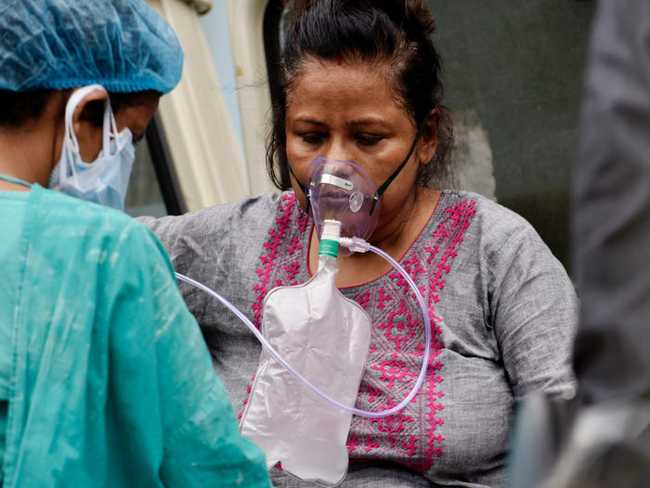 Mỗi phút có 2 người chết: Nếu Ấn Độ không được cứu, có ít nhất 6 vấn đề ảnh hưởng xấu đến toàn thế giới - Ảnh 1.