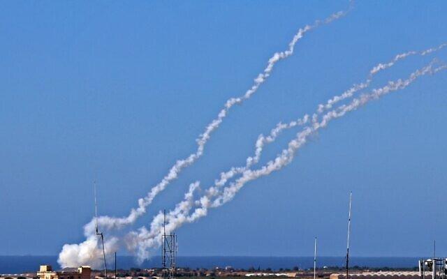 50 tiêm kích Israel xuất trận, kho vũ khí của Hamas ở Gaza bị phá hủy - Ảnh 2.