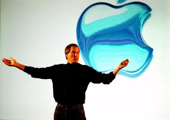 Đây là cách Steve Jobs đã thay đổi bộ mặt của cả ngành bán lẻ, từ 20 năm trước - Ảnh 1.