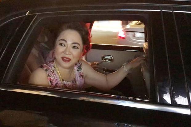 BST siêu xe nghe muốn xây xẩm mặt mày của bà Phương Hằng: Rolls-Royce mà màu trắng, đỏ, cam có hết! - Ảnh 3.