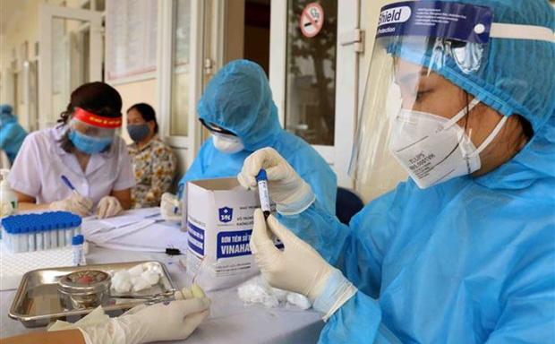 NÓNG: 13 người cùng giáo phái truyền giáo ở TP HCM dương tính với SARS-CoV-2, có 1 đầu bếp KS Sheraton