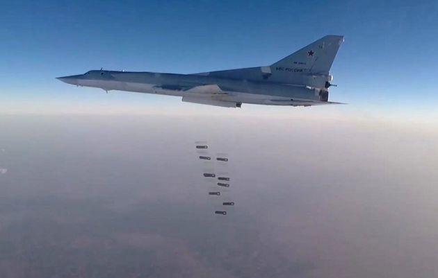 Máy bay chiến đấu Nga không kích ác liệt ở Syria - Lính Israel nổ súng bắn chết người Palestine: Bạo lực bùng phát - Ảnh 1.