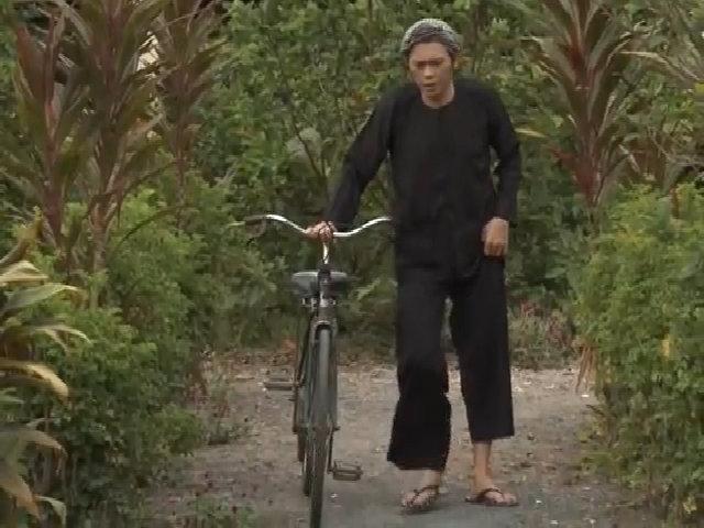 Hàng xóm nói về Hoài Linh: Sống rất tốt, chan hòa với mọi người - Ảnh 1.
