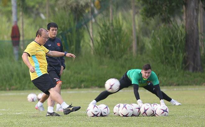 Vắng Văn Lâm là tổn thất cho HLV Park song không cần quá lo lắng về vị trí thủ môn ĐTVN - Ảnh 2.