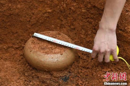 42 mộ cổ Trung Quốc vừa được phát hiện trên công trường: Đội khảo cổ bất ngờ khi thấy hình dáng lăng! - Ảnh 5.