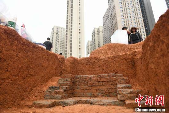 42 mộ cổ Trung Quốc vừa được phát hiện trên công trường: Đội khảo cổ bất ngờ khi thấy hình dáng lăng! - Ảnh 6.