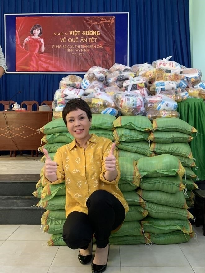 Việt Hương: Biệt thự to đẹp không ở, hột xoàn mua nhiều nhưng không đeo và quan điểm làm từ thiện - Ảnh 3.