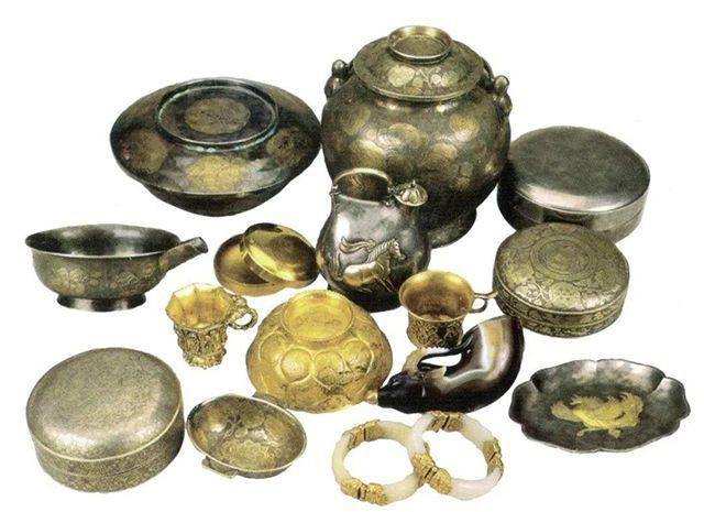 Chuyên gia khai quật được 5,5kg vàng trong lăng mộ, nửa năm sau đem cân đã hụt đi 1kg: Uẩn khúc ở đâu? - Ảnh 1.