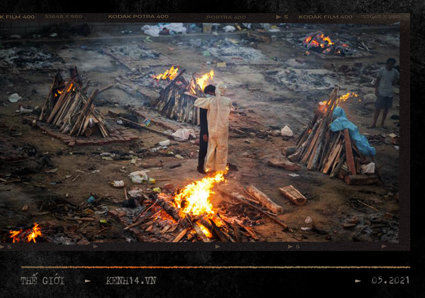 Một ngày tại lò hỏa táng giữa ''địa ngục Covid'' Ấn Độ: Khi cái chết là sự thật duy nhất trong các lò hỏa thiêu đang đỏ lửa ngày đêm - ảnh 2
