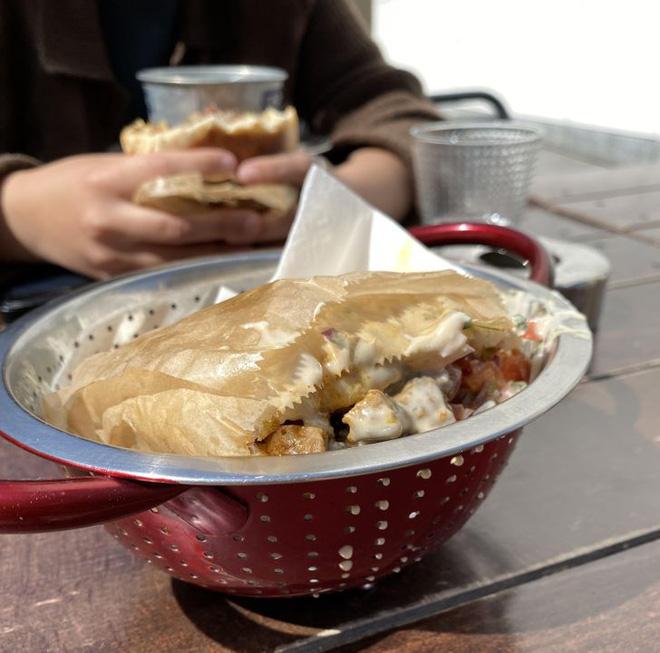 """Hễ các nhà hàng cao hứng """"bày vẽ"""" là thực khách lại câm nín và bó tay: Xin cho tôi bữa ăn bình thường được không? - Ảnh 2."""