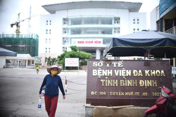 Thêm 11 ca mắc COVID-19, có 1 ca trong nước tại Đà Nẵng; Ổ dịch COVID-19 ở Hà Nam đã trải qua 3 chu kỳ lây nhiễm - Ảnh 1.
