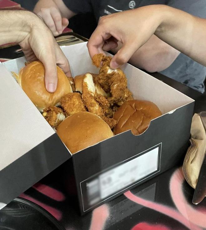 """Hễ các nhà hàng cao hứng """"bày vẽ"""" là thực khách lại câm nín và bó tay: Xin cho tôi bữa ăn bình thường được không? - Ảnh 12."""